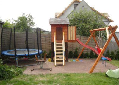 Domki nad morzem - trampolina
